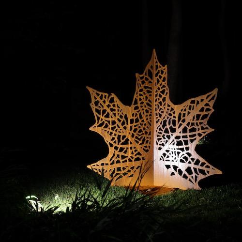 Rzeźba ogrodowa z cortenu – liść klonu